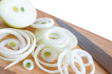 Sliced onion rings -- ibellhop.com