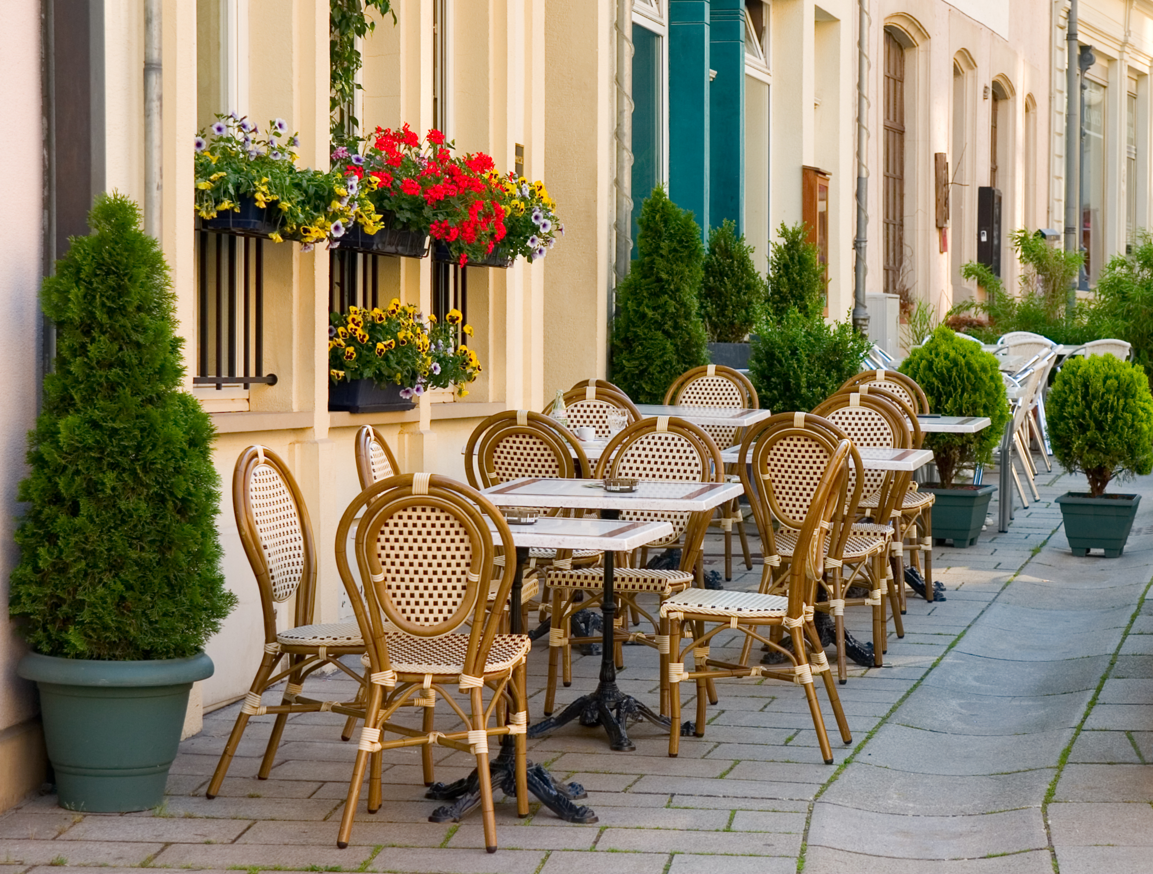 Street cafe in Luxembourg | International Bellhop Travel Magazine