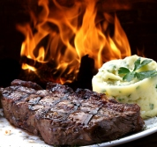 Grilled steak with mashed potatoes -- Classic