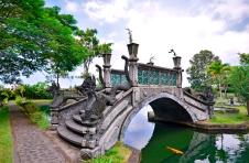 Bridge over lake at Tirtagangga Water Palace