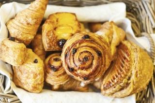pastries breakfast hotel room service