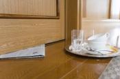 Breakfast hotel Room Service Deliveryz