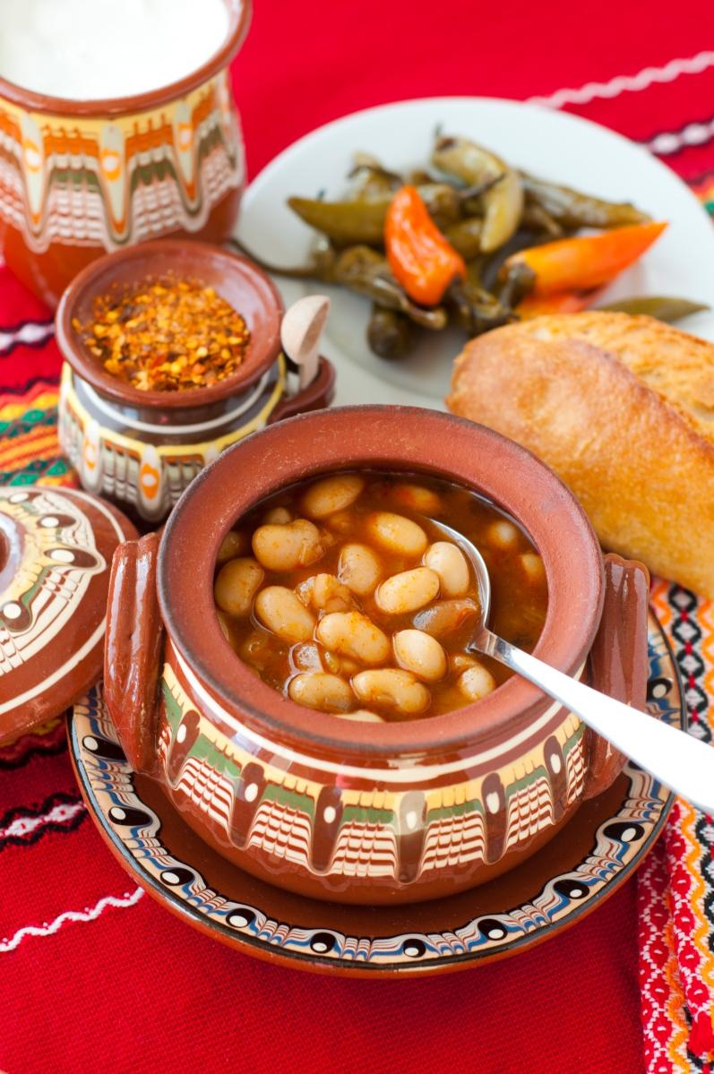 Bulgarian baked beans