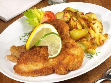 paniertes-schnitzel-steak-und-bratwurst