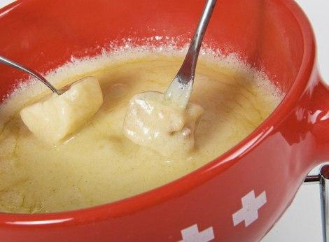 schweizer-käse-fondue